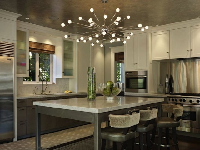 Decorative Lighting Chandelier in Kitchen